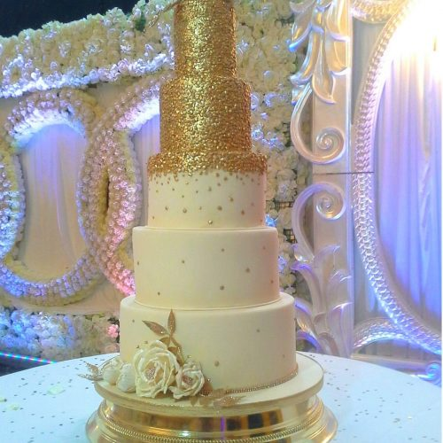 Gold-Sequin-Wedding-Cake